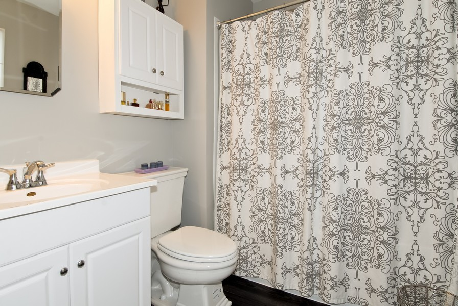 Real Estate Photography - 1581 Madison Ave, St. Charles, IL, 60174 - 2nd Floor Hallway Full Bath