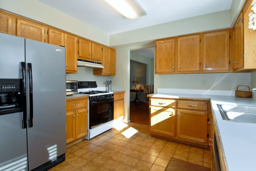 Real Estate Photography - 1581 Madison Ave, St. Charles, IL, 60174 - Kitchen