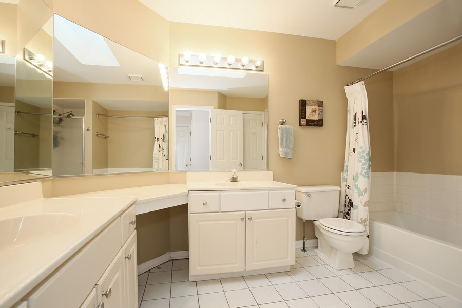 Real Estate Photography - 907 Ashley Ct, 907, Westmont, IL, 60559 - Bathroom