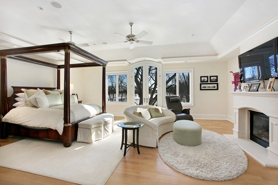 Real Estate Photography - 19 Baybrook Ln, Oak Brook, IL, 60523 - Master Bedroom Suite