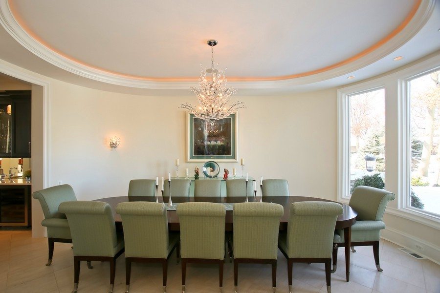 Real Estate Photography - 19 Baybrook Ln, Oak Brook, IL, 60523 - Formal Dining Room