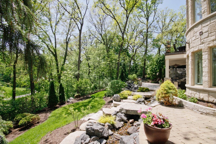Real Estate Photography - 19 Baybrook Ln, Oak Brook, IL, 60523 - Back Yard