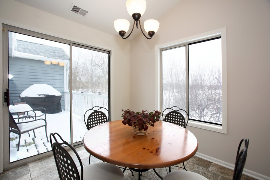 Real Estate Photography - 2247 Petworth Ct, 202D, Naperville, IL, 60565 - Breakfast Area