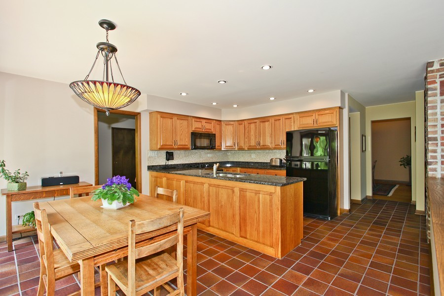 Real Estate Photography - 1433 Grant St, Downers Grove, IL, 60515 - Kitchen / Breakfast Room