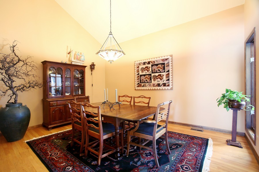 Real Estate Photography - 1433 Grant St, Downers Grove, IL, 60515 - Dining Room