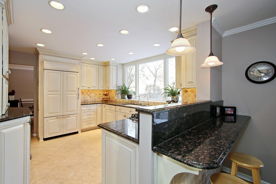 Real Estate Photography - 820 Morningside Dr, Naperville, IL, 60563 - Kitchen