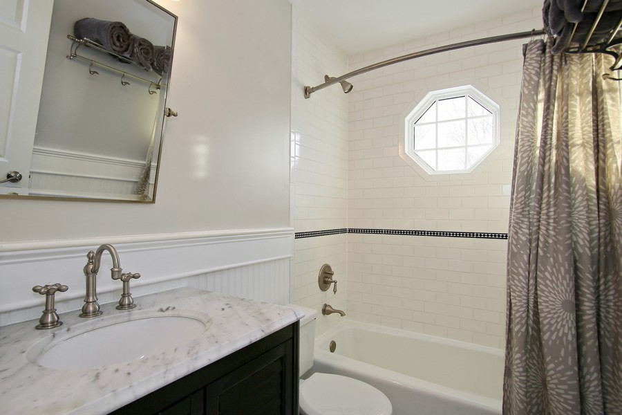 Real Estate Photography - 820 Morningside Dr, Naperville, IL, 60563 - Hall Bath