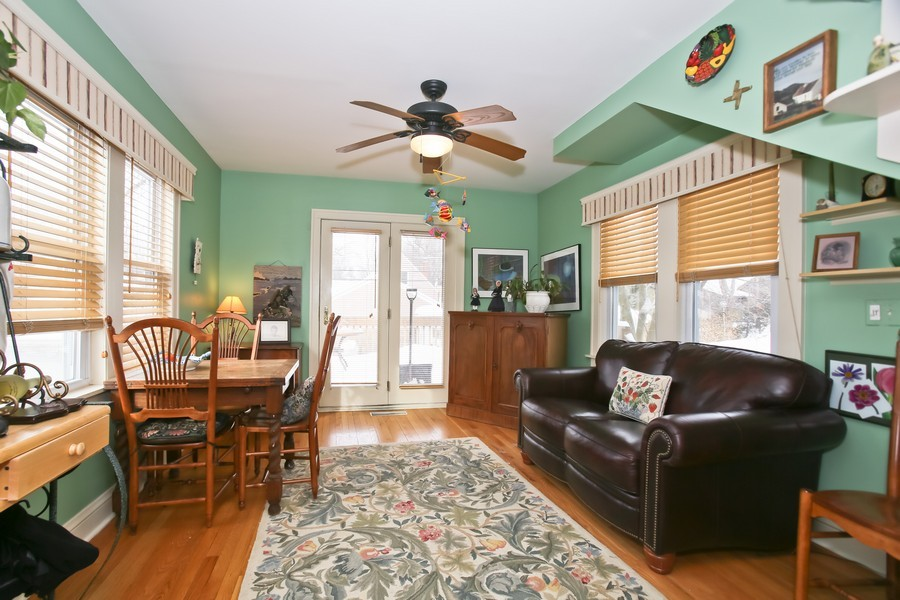 Real Estate Photography - 308 6Th St, Downers Grove, IL, 60515 - Family Room