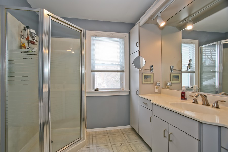 Real Estate Photography - 308 6Th St, Downers Grove, IL, 60515 - Bathroom