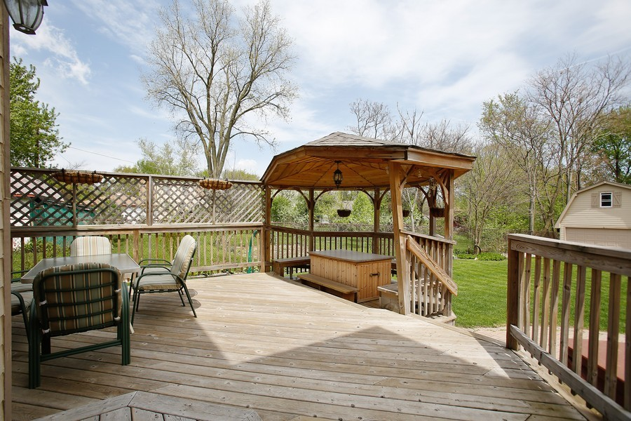 Real Estate Photography - 251 N Park, Westmont, IL, 60559 - Deck