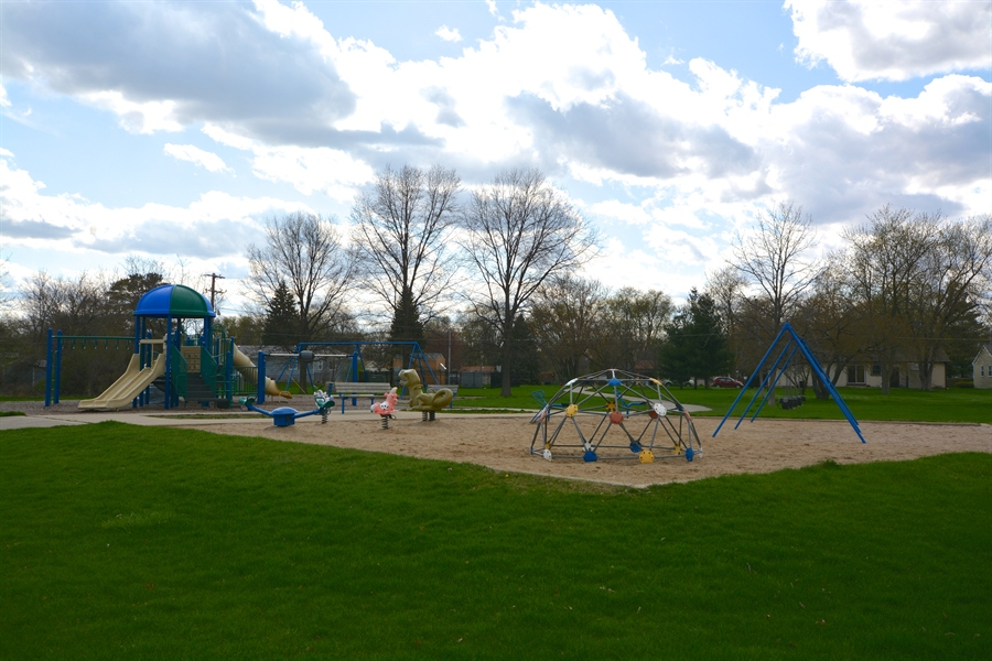 Real Estate Photography - 506 Pinecreek Dr, North Aurora, IL, 60542 - Playground