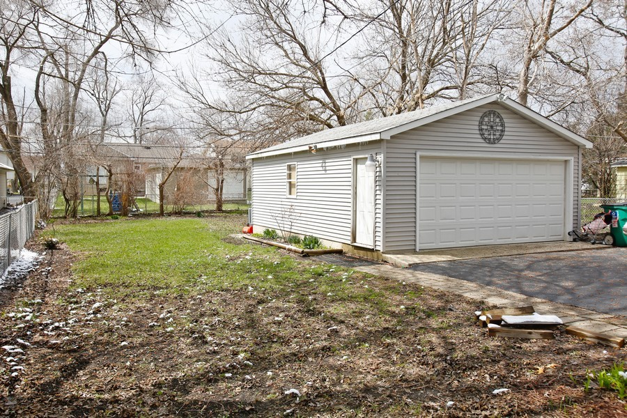 Real Estate Photography - 4112 Liberty Blvd, Westmont, IL, 60559 - Back Yard