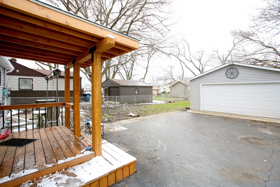 Real Estate Photography - 4112 Liberty Blvd, Westmont, IL, 60559 - Garage
