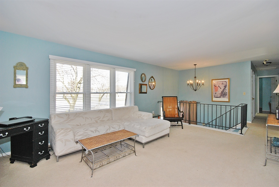 Real Estate Photography - 727 Fellows St, St. Charles, IL, 60174 - Living Room