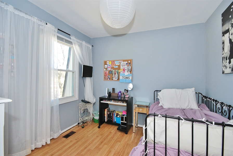 Real Estate Photography - 727 Fellows St, St. Charles, IL, 60174 - 3rd Bedroom