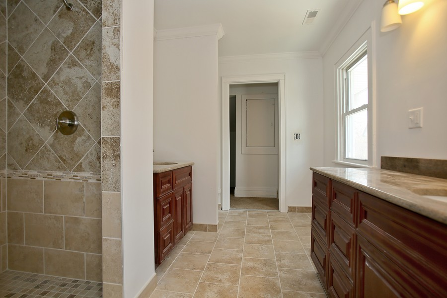 Real Estate Photography - 338 W Naperville Rd, Westmont, IL, 60559 - Master Bathroom