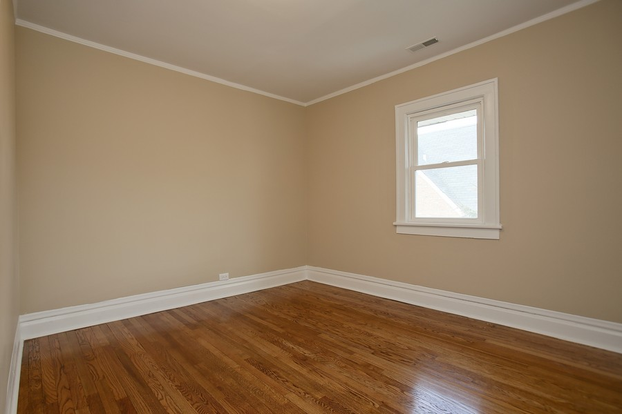 Real Estate Photography - 338 W Naperville Rd, Westmont, IL, 60559 - 2nd Bedroom