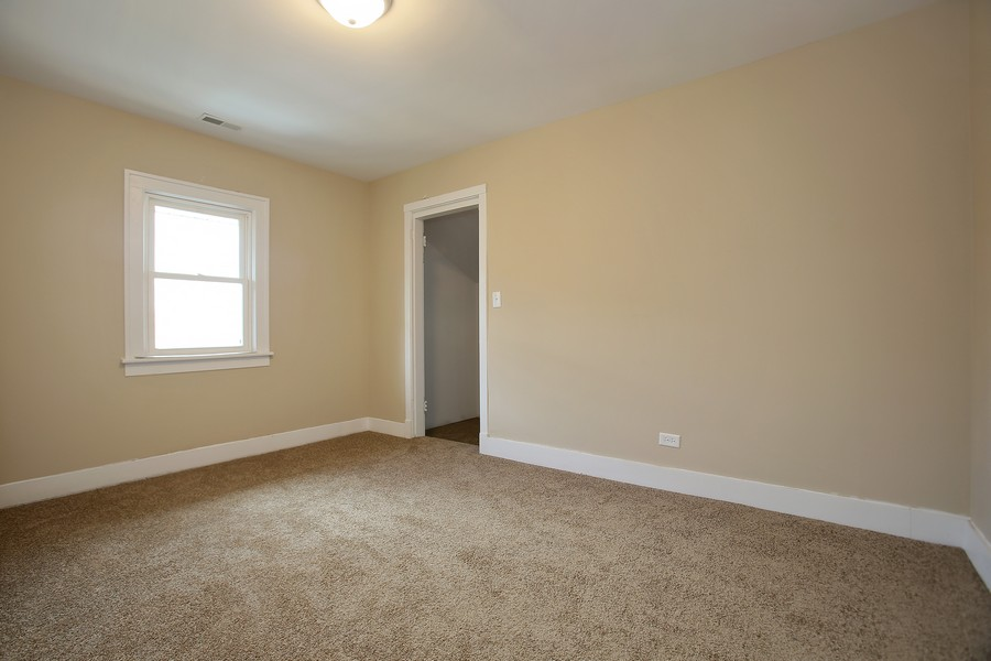 Real Estate Photography - 338 W Naperville Rd, Westmont, IL, 60559 - 3rd Bedroom