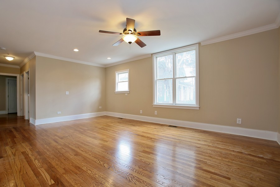 Real Estate Photography - 338 W Naperville Rd, Westmont, IL, 60559 - Family Room