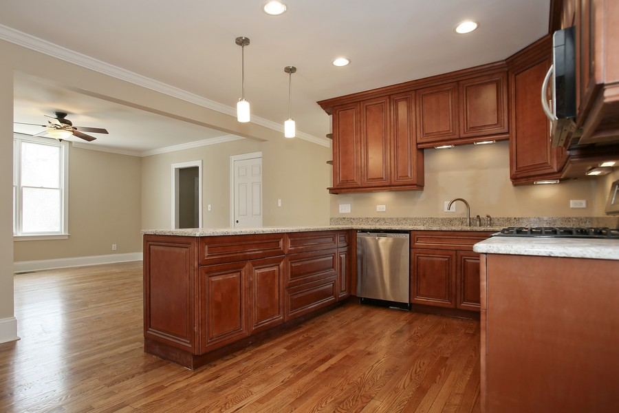 Real Estate Photography - 338 W Naperville Rd, Westmont, IL, 60559 - Kitchen