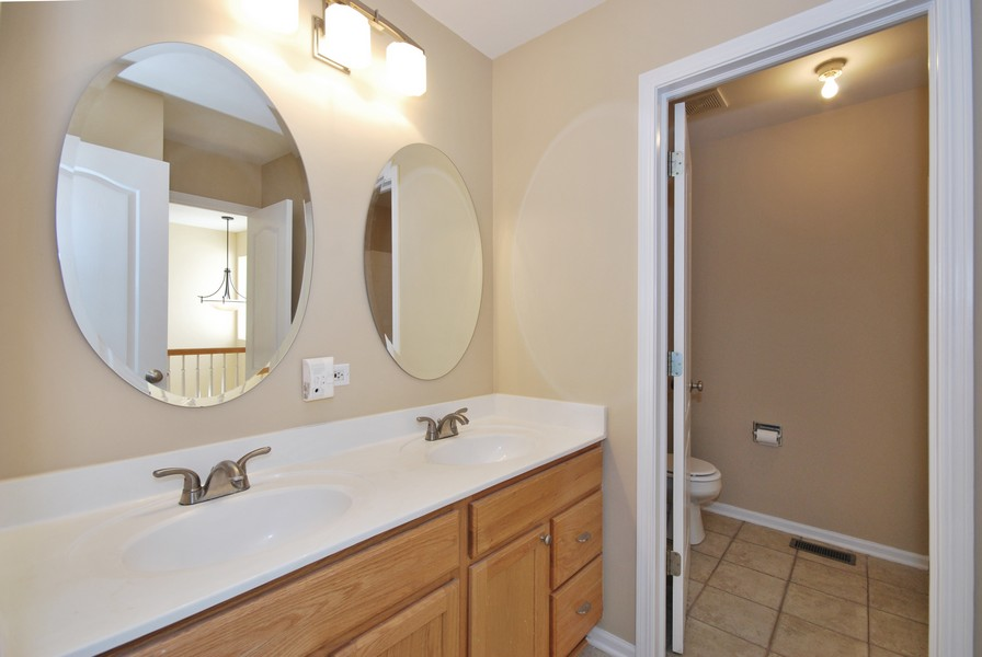 Real Estate Photography - 3030 Langston Cir, 3030, St. Charles, IL, 60175 - Master Bathroom