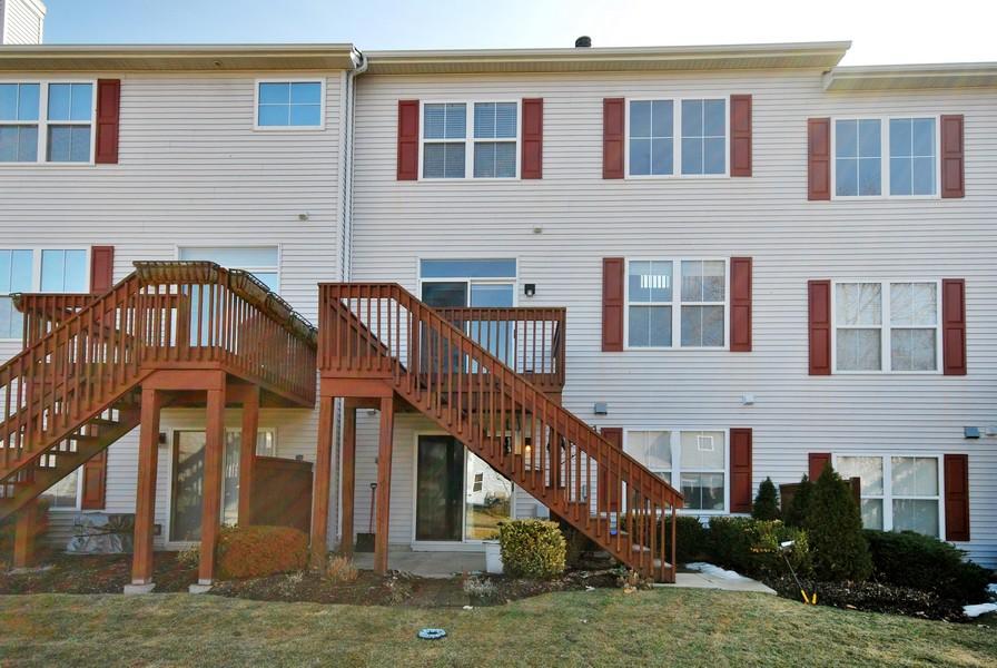 Real Estate Photography - 3030 Langston Cir, 3030, St. Charles, IL, 60175 - Back Yard