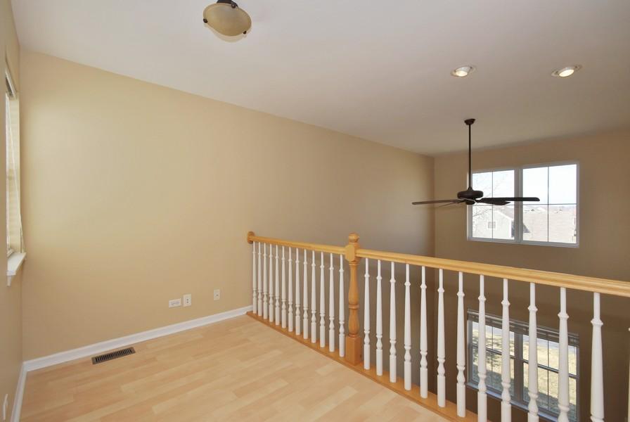 Real Estate Photography - 3030 Langston Cir, 3030, St. Charles, IL, 60175 - Loft