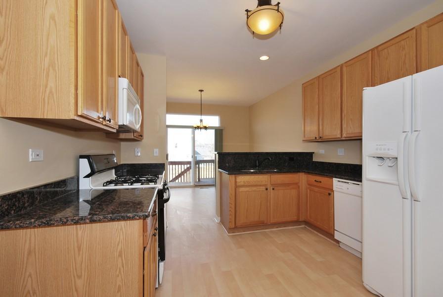 Real Estate Photography - 3030 Langston Cir, 3030, St. Charles, IL, 60175 - Kitchen