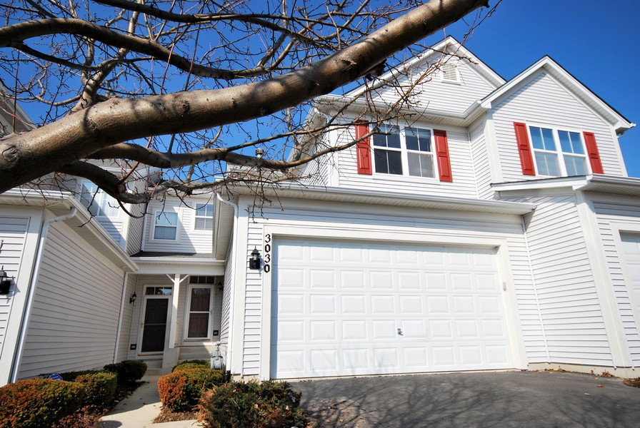 Real Estate Photography - 3030 Langston Cir, 3030, St. Charles, IL, 60175 - Front View