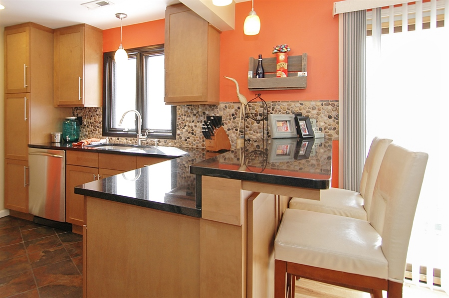 Real Estate Photography - 24 John St, Crystal Lake, IL, 60014 - Kitchen