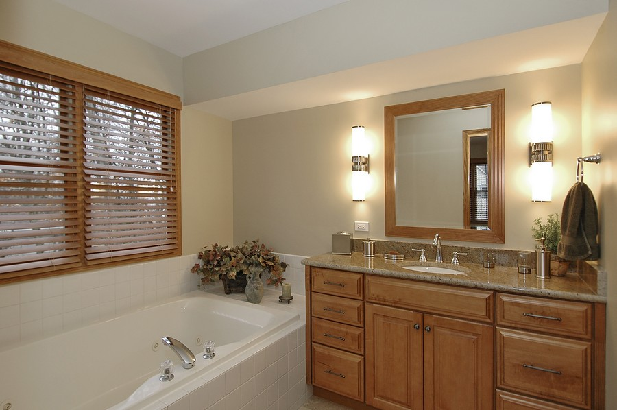 Real Estate Photography - 442 Kelly Ln, Crystal Lake, IL, 60012 - Master Bathroom
