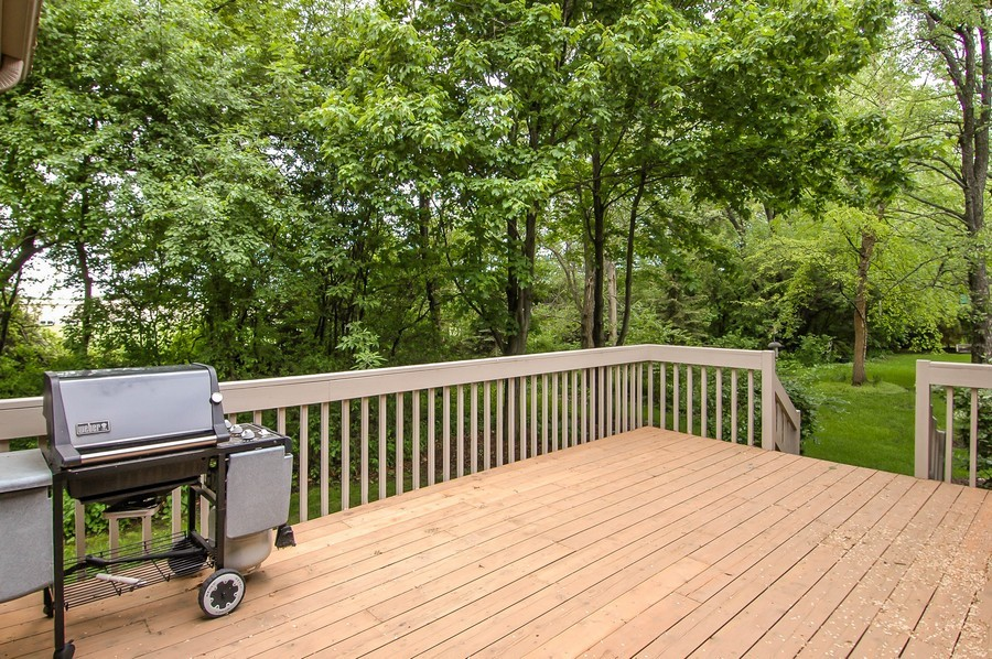 Real Estate Photography - 442 Kelly Ln, Crystal Lake, IL, 60012 - Deck