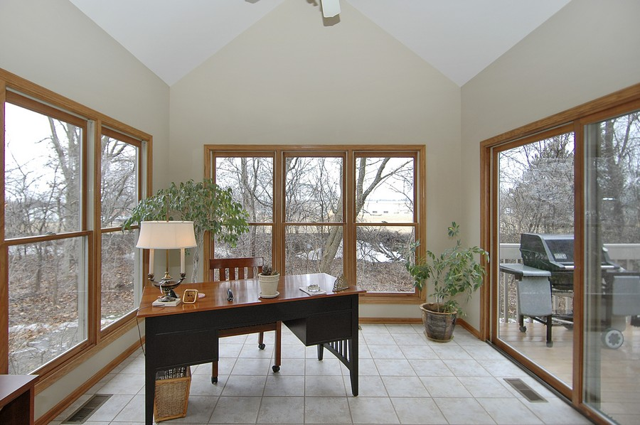 Real Estate Photography - 442 Kelly Ln, Crystal Lake, IL, 60012 - Sun Room
