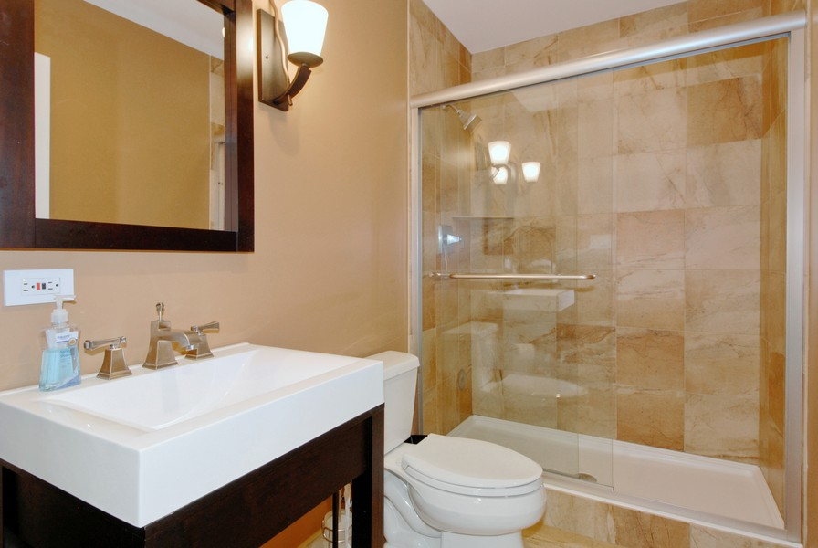 Real Estate Photography - 801 Pheasant Trl, St. Charles, IL, 60174 - 3rd Bathroom