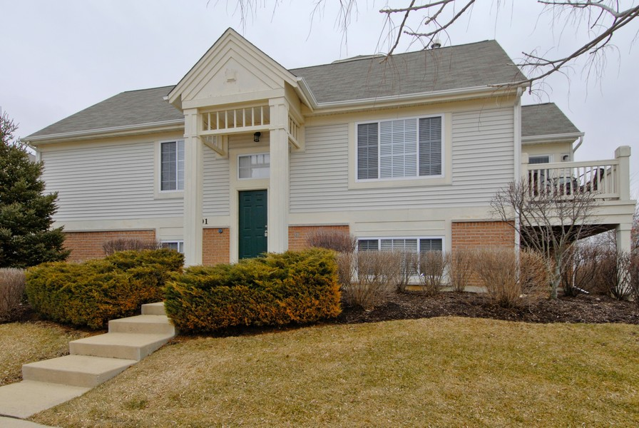Real Estate Photography - 801 Pheasant Trl, St. Charles, IL, 60174 - Front View