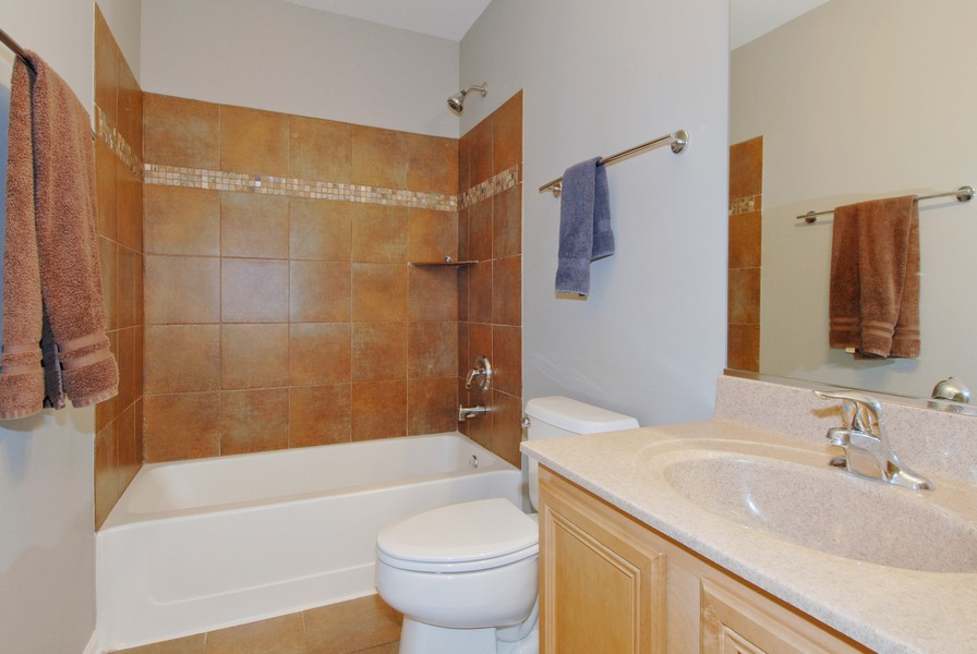 Real Estate Photography - 801 Pheasant Trl, St. Charles, IL, 60174 - 2nd Bathroom