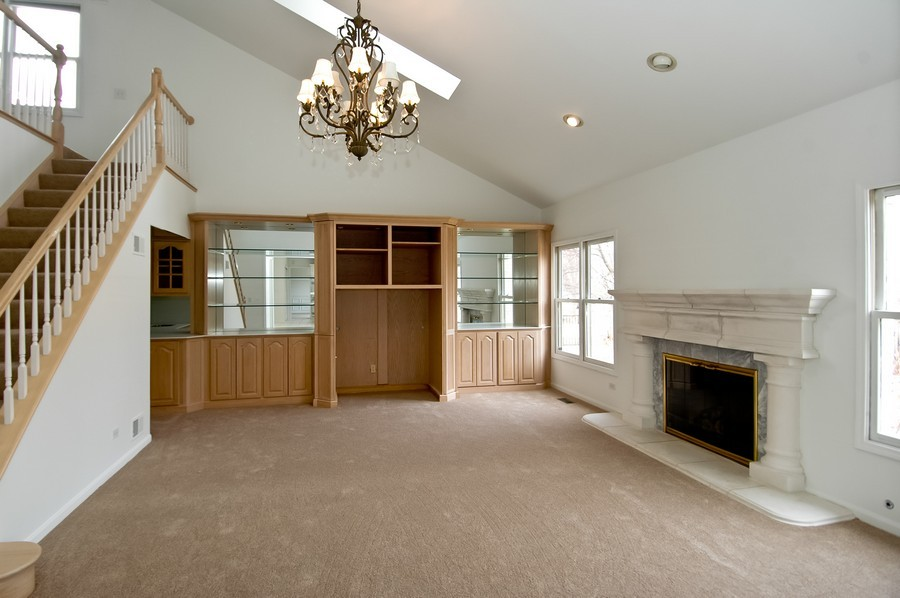 Real Estate Photography - 584 Blackthorn Dr, Crystal Lake, IL, 60014 - Family Room