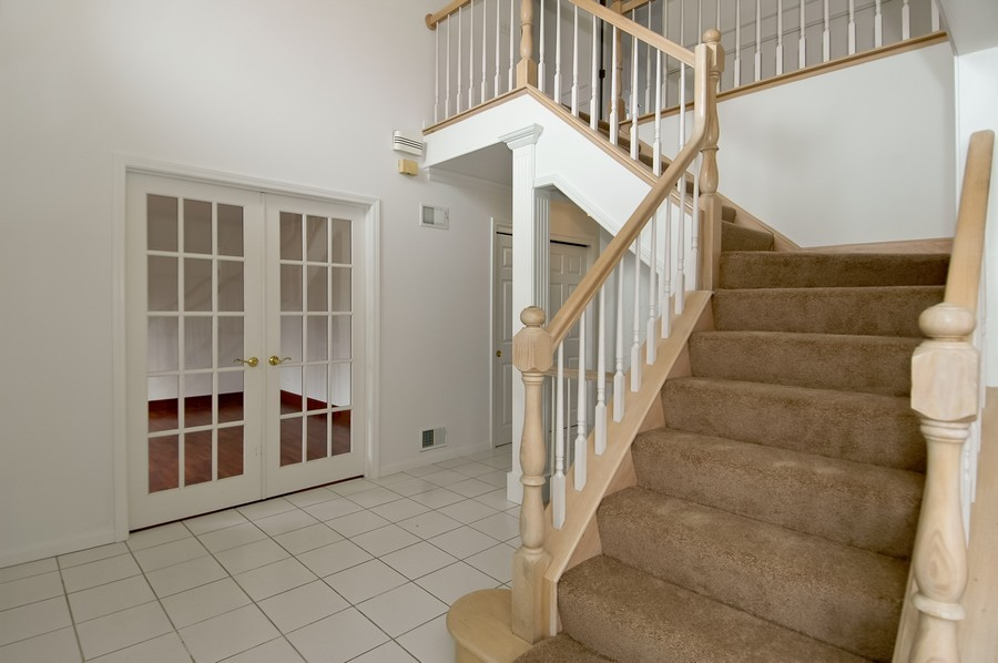 Real Estate Photography - 584 Blackthorn Dr, Crystal Lake, IL, 60014 - Foyer