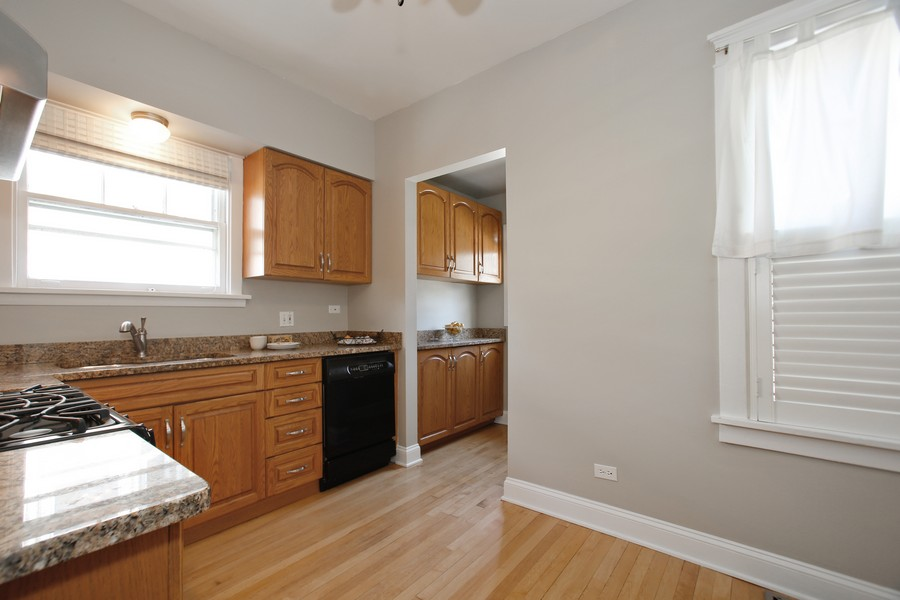 Real Estate Photography - 113 South LaGrange Rd, La Grange, IL, 60525 - Kitchen