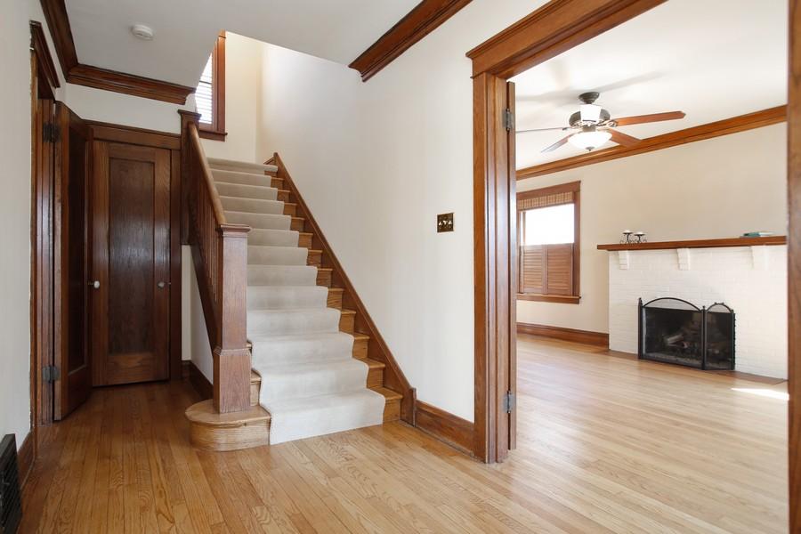 Real Estate Photography - 113 South LaGrange Rd, La Grange, IL, 60525 - Foyer