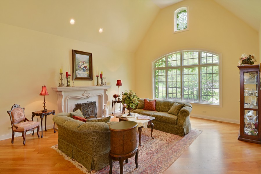 Real Estate Photography - 8S223 Derby Dr, Naperville, IL, 60540 - Living Room