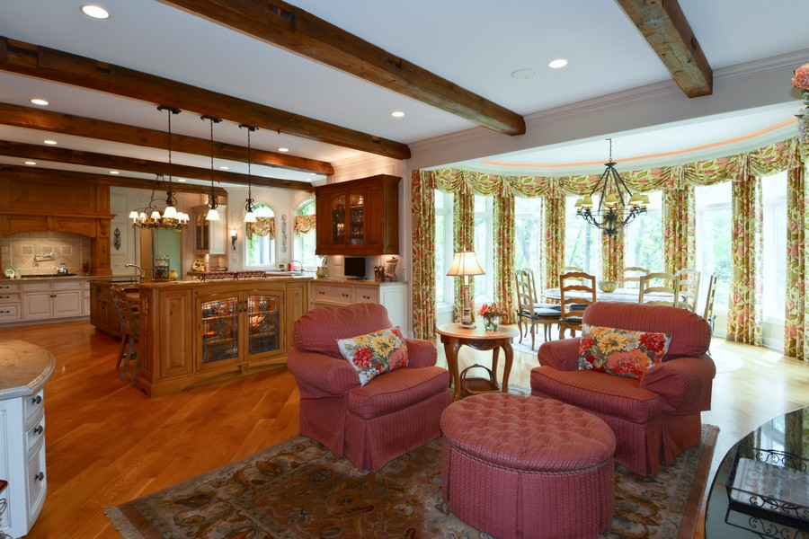 Real Estate Photography - 8S223 Derby Dr, Naperville, IL, 60540 - Kitchen/Gathering Room