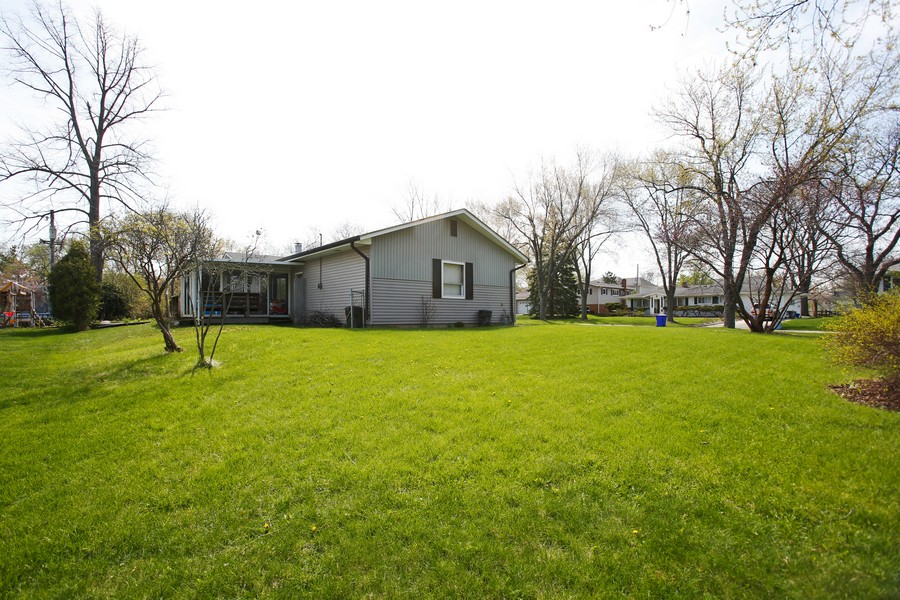 Real Estate Photography - 623 Ranch Rd, Wheaton, IL, 60187 - Side View