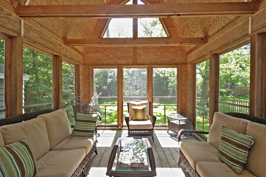 Real Estate Photography - 1302 Forest Ave, Highland Park, IL, 60035 - Sun Room