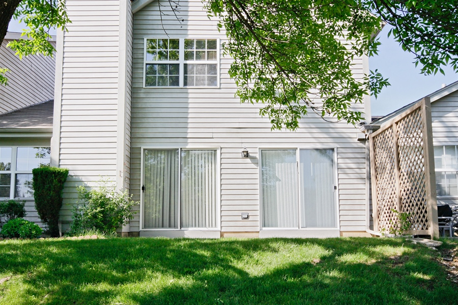 Real Estate Photography - 1919 Prentiss Dr, 5, Downers Grove, IL, 60516 - Rear View