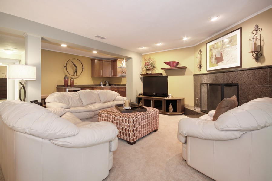 Real Estate Photography - 6123 Washington St, Downers Grove, IL, 60516 - Family Room