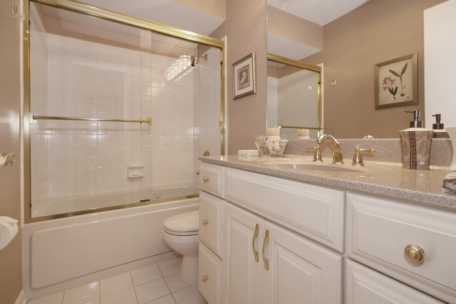 Real Estate Photography - 6123 Washington St, Downers Grove, IL, 60516 - Guest Bathroom