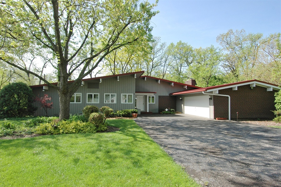 Real Estate Photography - 5200 Grove Rd, Palatine, IL, 60067 - Front View