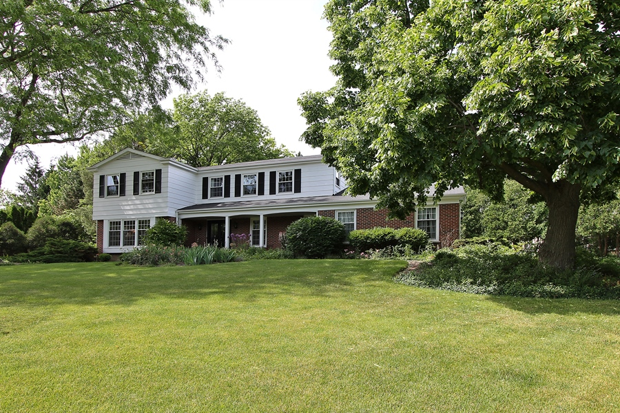 Real Estate Photography - 1447 S Shore, Barrington, IL, 60010 - Front View