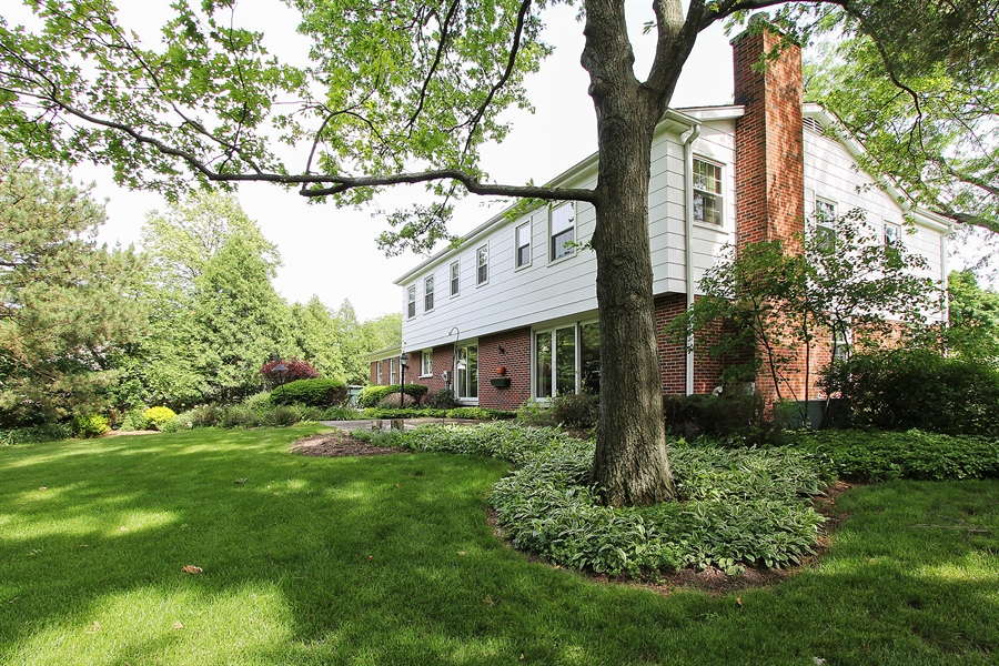 Real Estate Photography - 1447 S Shore, Barrington, IL, 60010 - Side View